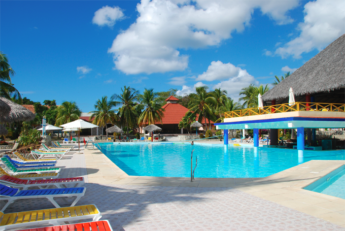 hotel-pool-clean - Healthier Sustainable Commercial Swimming ...